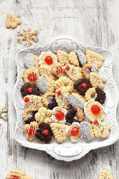 Christmas Candy, Christmas Baking, Sweet Recipes, Cake Recipes, Homemade Oreos, Malay Food, Sweet Potato Hash, Romanian Food, Oreo Dessert