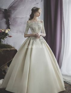 Wedding photography, visit these really whip-smart wedding snap arrangement number 2492973246 now. Western Wedding Dresses, Classic Wedding Dress, Modest Wedding Dresses, Bridal Dresses, Wedding Gowns, Prom Dresses, Wedding Dress Cinderella, Wedding Dress Trumpet, Ball Dresses