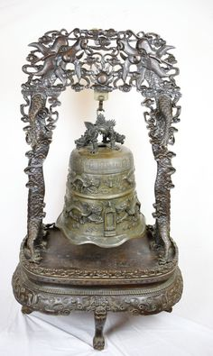 LARGE CHINESE 19TH C.CENTURY BELL DRAGON AND FENIX WITH WOODEN STAND XUANDE MARK Ring My Bell, Dinning Table, Buddhism, Dragon, Chinese, Bronze, Antiques, Pictures, Vintage