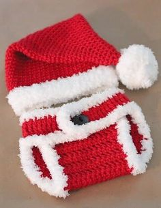 [Free Pattern] Isn't This Crochet Santa Hat And Diaper Cover The Cutest New Born Set Ever?