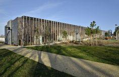 Galeria de Centro Comunitário La Queue du Lézard / Rue Royale Architectes - 1