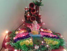 Here are some simple, easy Ganesh Chaturthi decoration ideas for home. These ideas for Ganpati decoration at home are new, fresh, creative and innovative. Thali Decoration Ideas, Ganpati Decoration At Home, Diwali Decorations At Home, Mandir Decoration, Homemade Decorations, Decor Ideas, Ganesh Chaturthi Decoration, Crown Decor, Ganapati Decoration