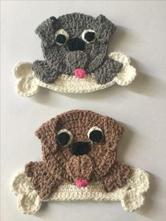 Free crochet pattern of a dog with a bone appliqué.