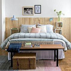 Adorei a combinação de tons te texturas e roupa de cama!  via @revistacasaclaudia #colaadora #quartosecasal #decor