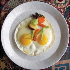 """""""Breakfast is a notoriously difficult meal to serve with a flourish."""" ~ Clement Freud Bill Wurtzel has been making creative breakfast. Bike Food, Amazing Food Art, Huevos Fritos, Good Food, Yummy Food, Fun Food, Food Kids, Omelettes, Food Humor"""