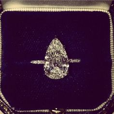Pear shaped diamond engagement ring by Soraya Silchenstedt