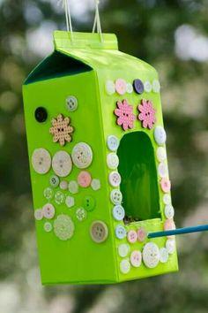 made of milk carton Milk ka . - Birdhouse made of milk carton Milk carton bird feeder – Birdhou -Birdhouse made of milk carton Milk ka . - Birdhouse made of milk carton Milk carton bird feeder – Birdhou - Kids Crafts, Diy And Crafts Sewing, Crafts For Teens, Diy For Kids, Craft Projects, Garden Projects, Garden Crafts, Sewing Projects, Milk Carton Crafts