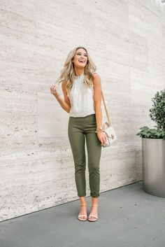 61295196093d7 Summer is the best time to enhance your appearance with casual work  clothes. Casual Work Wear in Simple Style There are many casual work  clothes