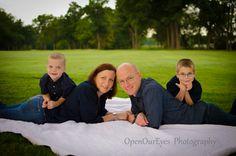 family pose picture idea