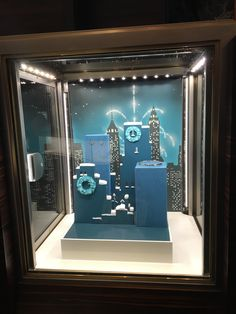 Tiffany & Co - In-store Display - Fifth Avenue, NY - Dec 2016 Accessories Display, Jewellery Display, Tiffany And Co Box, Window Lights, Christmas Windows, Dec 2016, Elements And Principles, Visual Merchandising, Design Elements