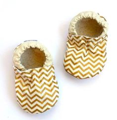 Buy Now LAST PAIRS 18-24 mos // gold baby shoes metallic booties...