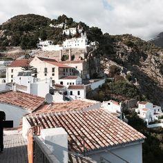 Hola Andalucia! I'm so in love with this viewBuenos dias a todos #andalucia #frigiliana #granada #whitecity #santorini