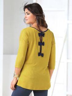 Camiseta de mujer con lazos a contraste en la espalda Kurti Neck, Pull, Casual, Ideias Fashion, Tunic Tops, Graphic Sweatshirt, Sewing, Sweatshirts, Blouse