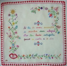 Portuguese embroidery traditional design. Learn Embroidery, Hand Embroidery Stitches, Crewel Embroidery, Embroidery Techniques, Cross Stitch Embroidery, Embroidery Patterns, Machine Embroidery, Needlepoint, Needlework