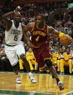 antwan jamison | Antawn Jamison and Kevin Garnett Photo - Cleveland Cavaliers v Boston ...
