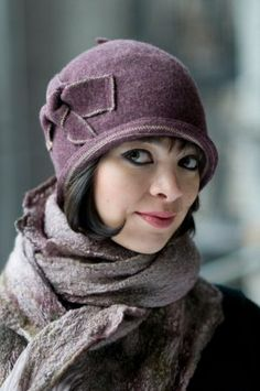 Round Bow Hat, Lisa Shaub Millinery  I love this cloche hat!