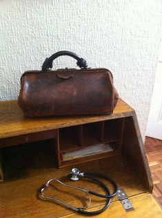 THE DOCTOR'S BAG     the blog about 19th century Medicine and Surgery       Keith Souter aka Clay More                Rattlesnake ( Crotal...