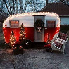 ⛄ #christmas #caravan #noel#santa#chrismastree #christmasdecor #relax #simple#nature