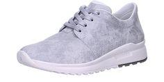 Legeron hopeatossut ovat pehmeät sisältä ja mukavat jalassa. Saumattomuuden ansiosta kenkä sopii hyvin myös hieman leveämpi lestiseen jalkaan.