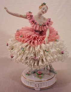 Figurine with porcelain ruffles.