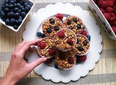 Owsiane muffinki są bardzo zdrowe i pełne wartości odżywczych. Takie babeczki sprawdzą się jako przekąska w ciągu dnia lub szybkie śniadanie.