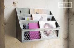 El buzón Sabir es un accesorio vintage que le permitirá organizar su escritorio y al mismo tiempo contribuirá a la decoración retro de su interior.