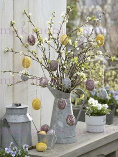 It is possible to find inspiration and craft supplies in a number of the strangest places. If it comes to Easter crafts, I enjoy making baskets best of all because the chances are limitless. Lots of the Easter egg crafts… Continue Reading → Easter Projects, Easter Crafts, Easter Decor, Easter Tree Decorations, Easter Ideas, Diy Projects, Egg Tree, Easter Holidays, Easter Party