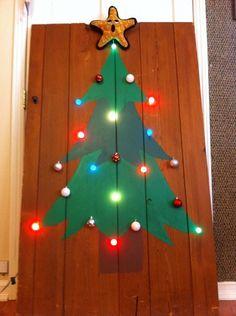 DIY eco-friendly space-saving Christmas Tree.
