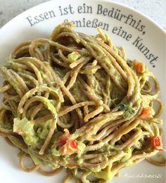 Julia Haeuszl: Avocado-Spaghetti (vegan)