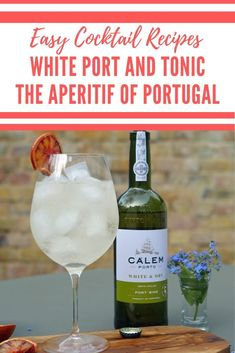 White Port and Tonic Cocktail - the perfect summer cocktail and the signature cocktail of Portugal - Porto Tonica - Easy Cocktails, Classic Cocktails, Summer Cocktails, Fun Drinks, Yummy Drinks, Beverages, Cocktail And Mocktail, Cocktail Recipes, Drink Recipes