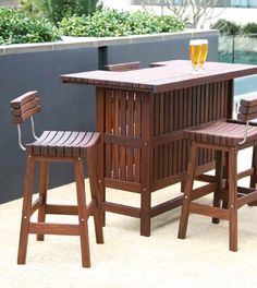 A fan favorite.. Jensen Leisure luxury wood furniture brings you the Sunset Bar set