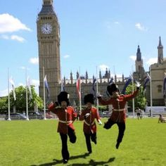 Our Palace Gaurds Mime Artist and street entertainers are perfect for Royal and British themed events. our Royal entertainment can be hired in London and the UK