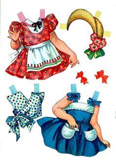 Anne A Paper Doll - Debbie -  Siempre había que poner un refuerzo para que se pararan bien.