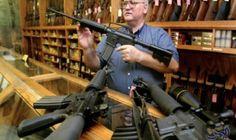 """المواطنون الأميركيون يمتلكون أكبر نسبة أسلحة في العالم: كشفت دراسة حديثة أعدتها """"الصحيفة الدولية لعلوم العدالة الجنائية"""" النقاب عن أن الشعب…"""