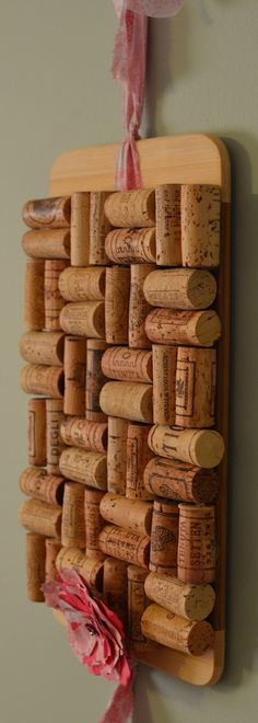 Hofkissed: Reduce & Reuse!  Wine cork board.