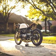 /// CB500 cafe racer by Kinetic Motorcycles
