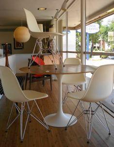 Projet un appartement de surfeur on pinterest 23 pins - Ensemble table ronde et chaise ...