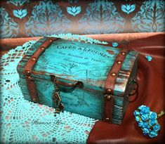 Decoupage Box, Decoupage Vintage, Wooden Storage Boxes, Wooden Boxes, Pirate Box, Wood Box Decor, Cigar Box Projects, Cigar Box Purse, Altered Cigar Boxes