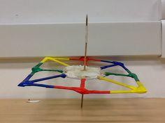 Eu fiz esse projeto quando eu vi um amigo meu fazendo uma torre e quis fazer algo parecido e deu nisso eu colori porque iria ficar muito sem cor.                Ass: João M.