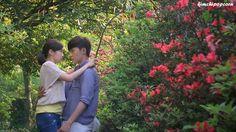 "http://kimchipopcorn.blogspot.com.es/2015/09/murphys-law-of-love-cuando-la-mala.html ""Murphy's Law of Love"""