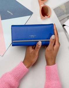 Discover bags & purses on sale for women at ASOS. Shop the latest collection of bags & purses for women on sale. Big Purses, Cheap Purses, Purses For Sale, Purses And Bags, Gucci Handbags, Luxury Handbags, Fiorelli Bags, Red Leather, Leather Bag