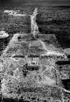 Tikal, Quintana Roo, Mayan Ruins, Pilgrimage, Central America, Art And Architecture, National Geographic, Vintage Photos, City Photo