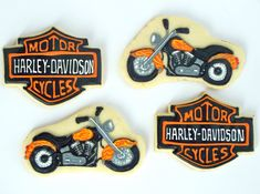 """Have you ever wondered why Harley-Davidson motorcycles are referred to as """"Hogs""""? A little research revealed: Beginning in 1920 a team of. Car Cookies, Royal Icing Cookies, Cupcake Cookies, Cookies Et Biscuits, Cupcakes, Cookie Icing, Bolo Harley Davidson, Harley Davidson Birthday, Motorcycle Birthday"""