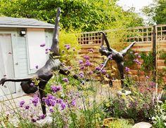 Outdoor sculptures | Contemporary gardens | Oxford Garden Design