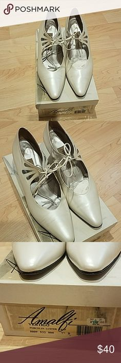 Vertigo Heels shoes size 7.5B Amalfi Vertigo brand porcelin luster calf. Pearl color. Worn once for a wedding.  Like new Genuine Leather  Made in italy Purchased for $118 on Sale Vertigo Shoes Heels