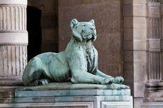 Paris - Palais du Louvre - PA00085992 - 474 - Category:Porte des Lions - Wikimedia Commons Louvre, Wikimedia Commons, Lions, Lion Sculpture, Statue, Art, Puertas, Art Background, Lion