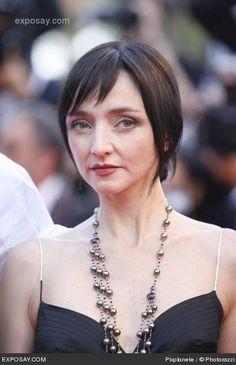 Resultados da Pesquisa de imagens do Google para http://www.exposay.com/celebrity-photos/maria-de-medeiros-2007-cannes-film-festival-palme-dor-arrivals-0GEjQj.jpg