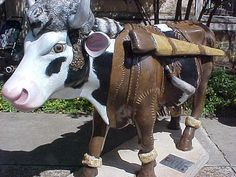 "San Antonio, Texas - Cows on Parade 2003 - ""Dairy Crockett"" - 100 life size fiberglass cow statues"