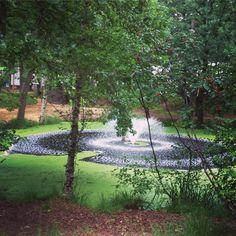 A quien no le gustaría tener una fuente así en medio del jardín???. Ultima foto de esta gran feria en Nuenen. #bloemTuin #nuenen #jardines #holanda