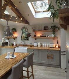 Supreme Kitchen Remodeling Choosing Your New Kitchen Countertops Ideas. Mind Blowing Kitchen Remodeling Choosing Your New Kitchen Countertops Ideas. Home Decor Kitchen, Kitchen Interior, New Kitchen, Home Kitchens, Small Kitchens, Cozy Kitchen, Kitchen Wood, Kitchen Country, Awesome Kitchen